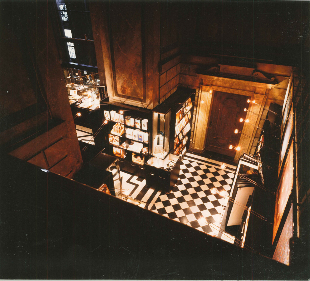 GMMK , Foto: Elisabeth Mayr-Keber , Gert M. MAYR-KEBER ZT-GmbH. Shop im Kunsthistorischen Museum 1993-1995