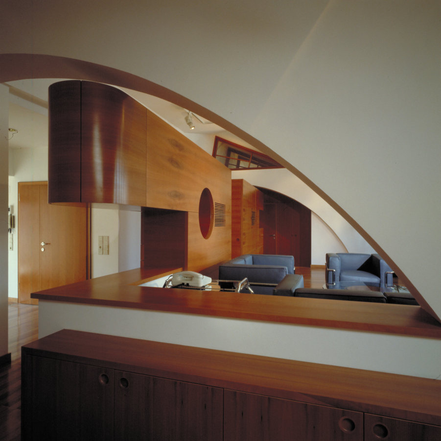 GMMK . Gert M. Mayr-Keber ZT GmbH . 1987-1988 . Attic Conversion in Pearwood . Photography Elisabeth Mayr-Keber