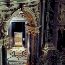 GMMK , Foto: Elisabeth Mayr-Keber , Gert M. MAYR-KEBER ZT-GmbH. Lift im Kunsthistorischen Museum 1989